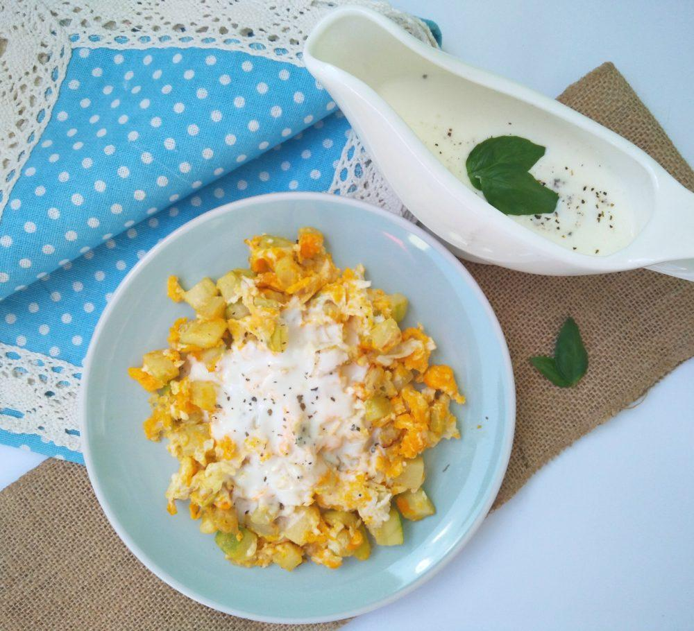 vmesana-jajca-z-buckami-in-jogurtovim-prelivom-4