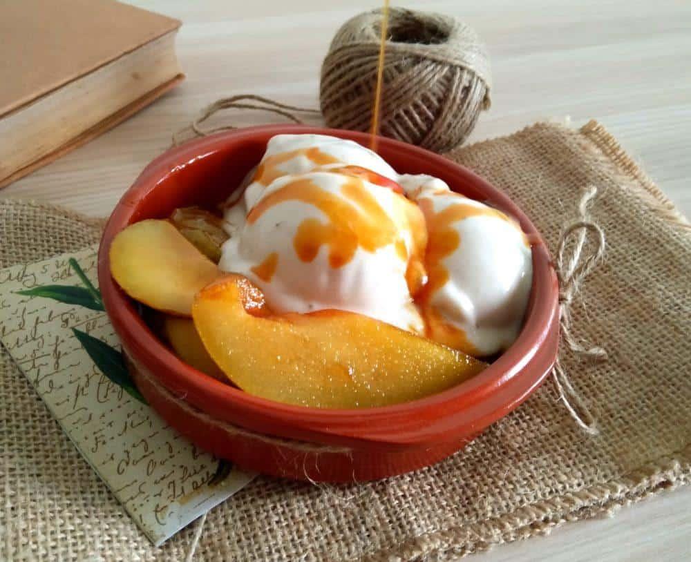 bananin-sladoled-s-karmeliziranimi-hruskami-3-1