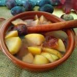 Jesenski kompot iz hrušk, jabolk in sliv