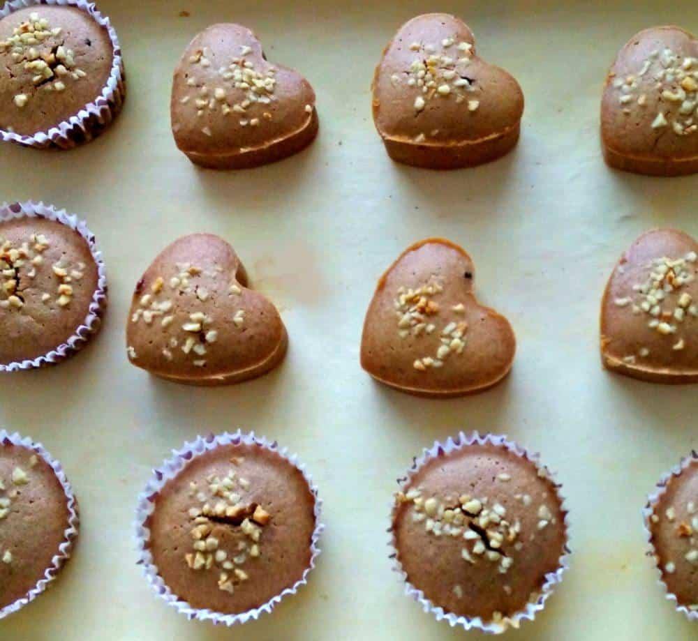 temni-muffini-s-sladkim-presenecenjem-7-1-1