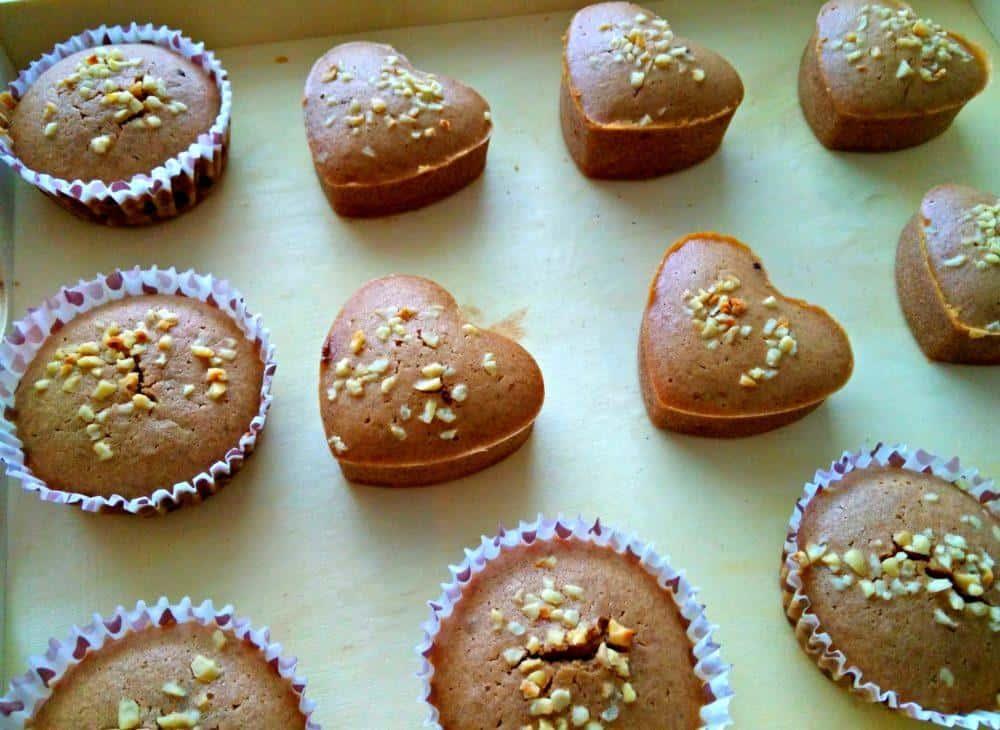 temni-muffini-s-sladkim-presenecenjem-8-1
