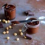 Domač čokoladno-lešnikov namaz