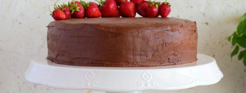 čokoladno-jagodna torta