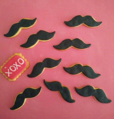 XOXO mustage