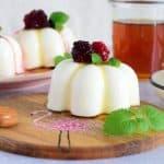 Jogurtove rožice s sredico iz gozdnih sadežev