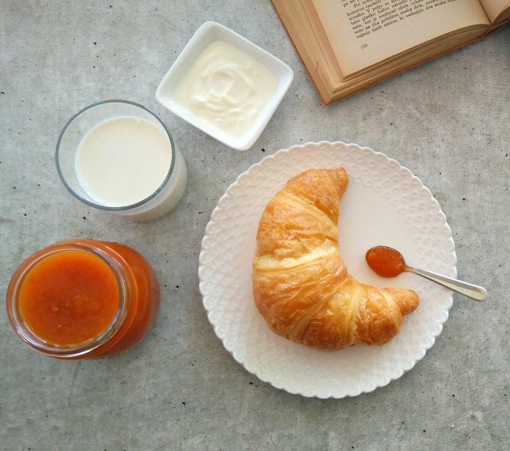 Najlepša jutra + recept za domačo marelično marmelado