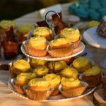 Vanilijevi kolački (cupcakes) z marelično sredico