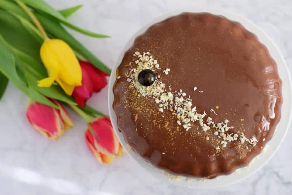 Svetleča čokoladna glazura